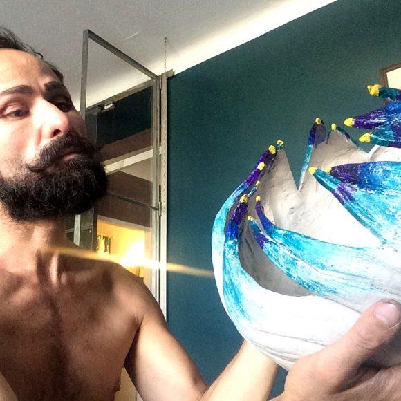 Artist-making1-Vase-aus-Ton_by-Ferdinand-Interior1080x1080