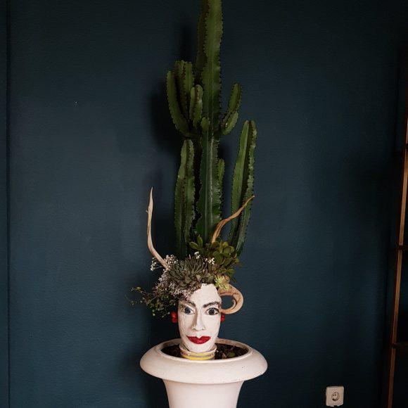 Blumentopf_aus_Keramik_Wohndeko_Amphore_Kaktus_handgefertigt_by_Ferdinand