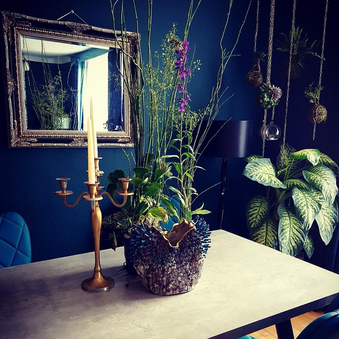 Dekoidee-Esstisch-Blumendekor-italien-style-1-by-ferdinand-interior-wien_featured