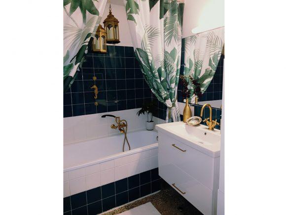 Edles-Badezimmer-mit-goldenem-Wasserhahn-by-Ferdinand-Interior-Wien