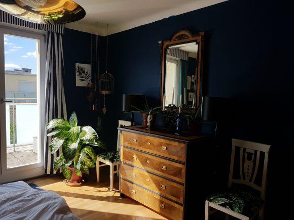 Schlafzimmer-mit-Kommode_by-Ferdinand-Interior-Wien