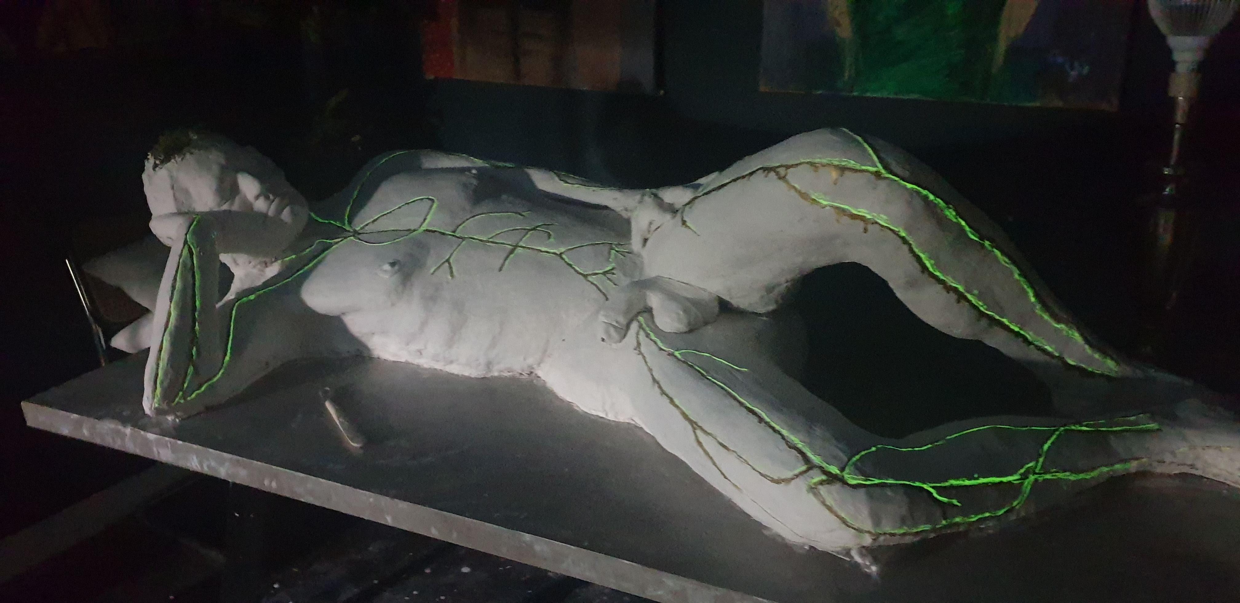 Skulptur_Mann_von_Ferdinand bei Tag