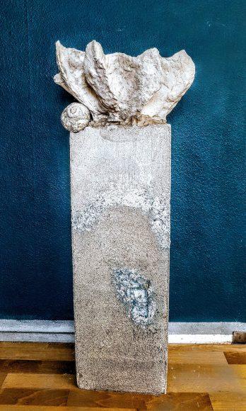 Sockel-Säule-aus-Beton-für-Ausstellung-Museum-handgefertigt-by-Ferdinand-Interior-Wien-1