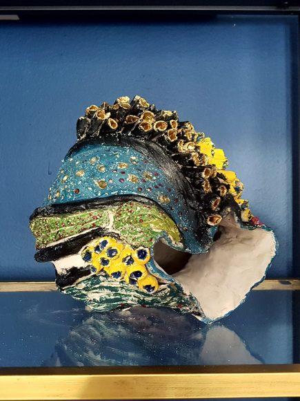 Vase aus Ton handgefertigt Muschelform rechts offen - by Ferdinand Interior