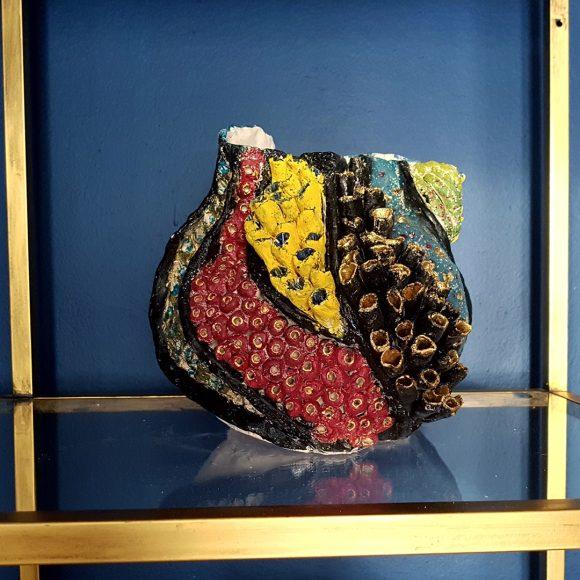 Vase aus Ton handgerfertigt Muschel1 by Ferdinand Interior Wien1080x1080