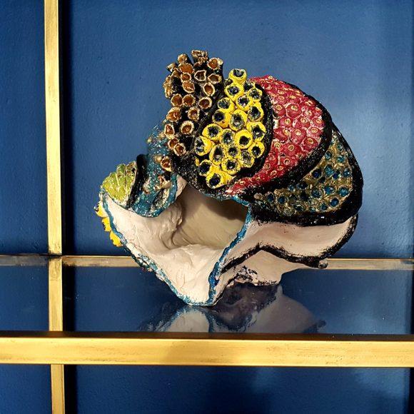 Vase aus Ton handgerfertigt Muschel6 by Ferdinand Interior Wien1080x1080