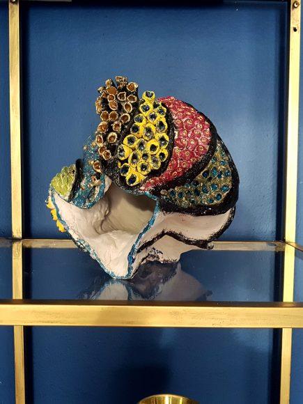 Vase handgefertigt aus Ton in Muschelform links - by Ferdinand Interior