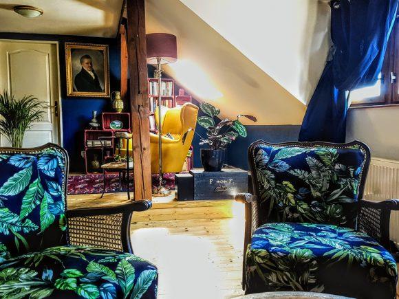 Wohnzimmer-Dachgeschoss-by-Ferdinand-Interior-Wien