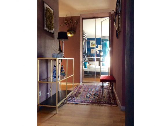 Wohnzimmer-Flur-mit-Glastür-by-Ferdinand-Interior-Wien-1080x810