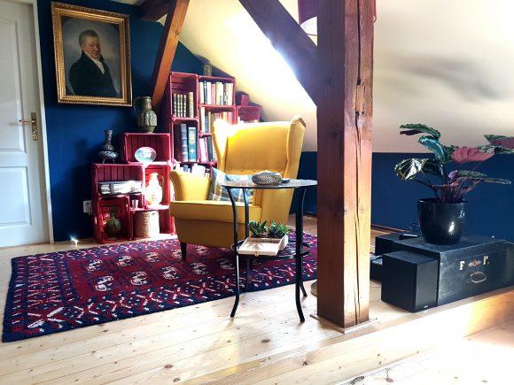 Wohnzimmer-Ohrensessel-gelb_Ferdinand-Interior-Wien