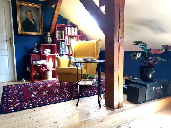 Wohnzimmer-Ohrensessel-gelb_Ferdinand-Interior-Wien1080x810