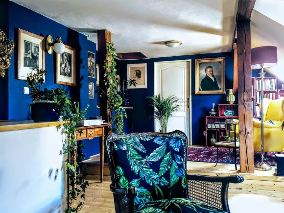 Wohnzimmer-Royalblau-by-Ferdinand-Interior