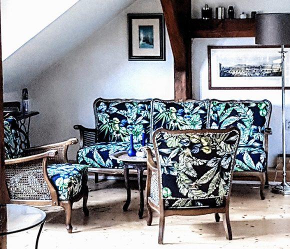 Wohnidee Wohnzimmer Sofa mit Sesseln italienisch